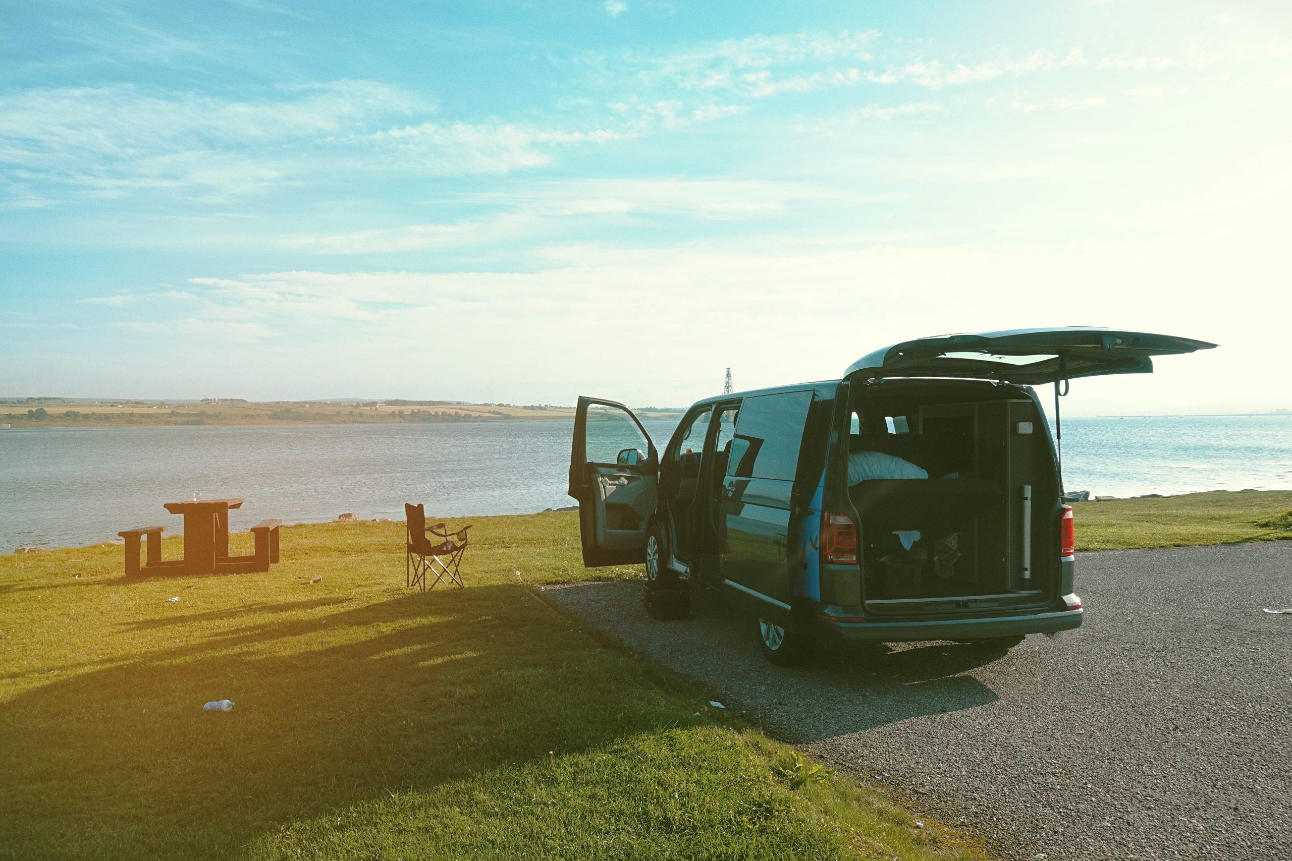 En campervan dans les Highlands de l'Écosse