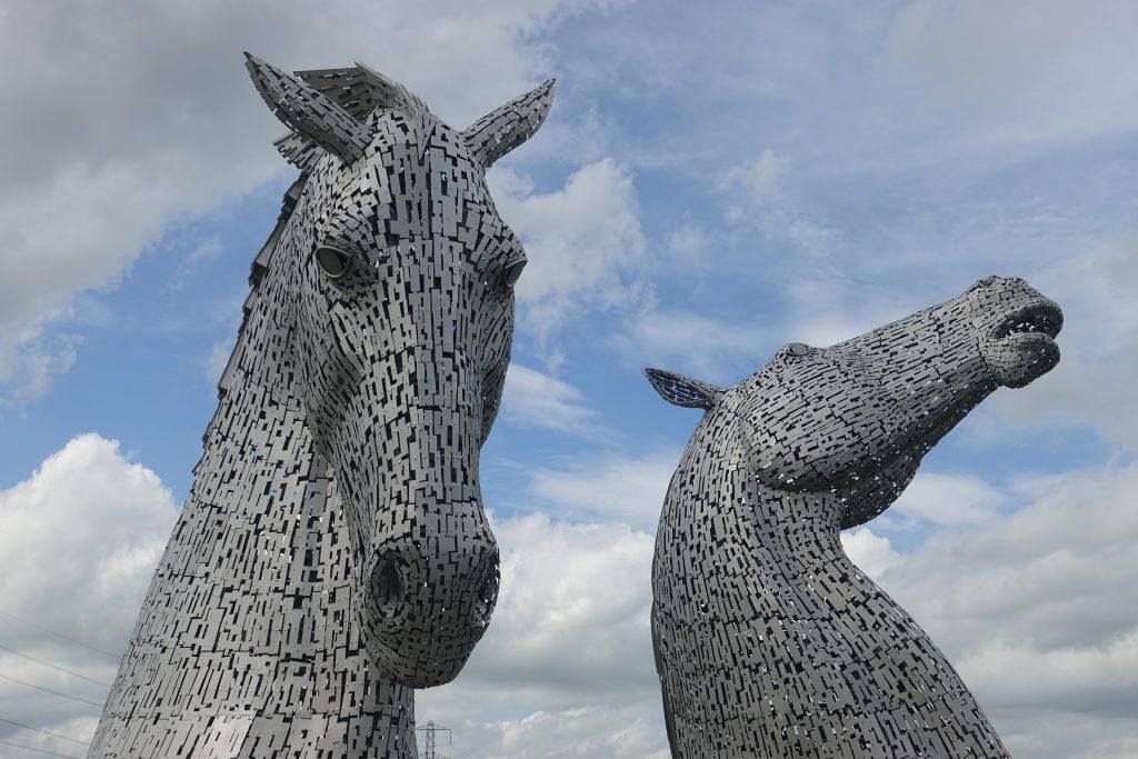The Kelpies, deux têtes de chevaux métalliques.